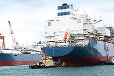 Höegh LNG places order for eighth FSRU