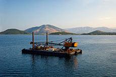 EU to co-finance LNG hopper barge