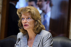 Murkowski urges Dominion LNG approval