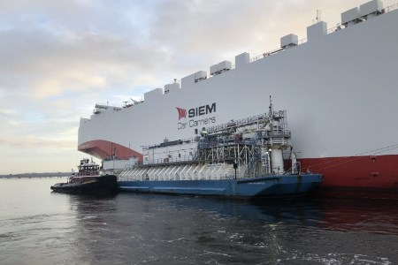 JAX LNG and TOTE Services conduct milestone LNG bunkering